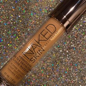 Urban Decay's Naked Skin Weightless Foundation💘